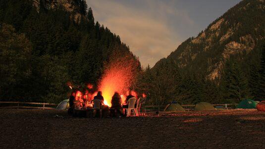 Camping im Magic Wood Avers Bouldergebiet