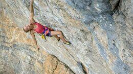Solveig Korherr klettert La Cabane au Canada (9a)