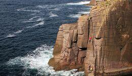 kl-klettern-in-irland-tradklettern-am-meer-c-david-flanagan-_9698 (jpg)